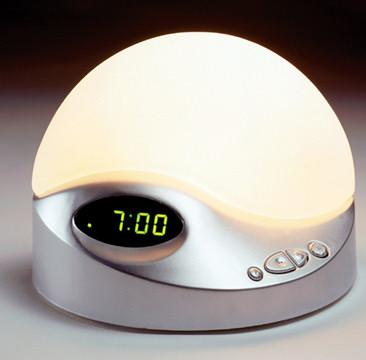 Le remède pour être de bonne humeur le matin: le simulateur d'aube avec lumière progressive