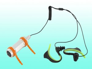 Innovation le lecteur mp3 tanche id al pour la piscine for Lecteur mp3 etanche piscine